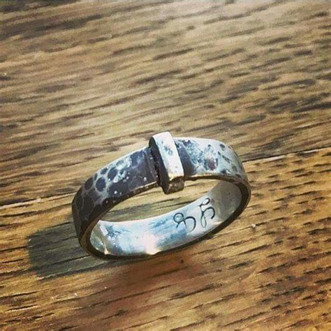 claire s wedding ring made from the key to lallybroch