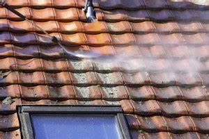 Dach Reinigen Kosten : dachreinigung kosten preise ~ Frokenaadalensverden.com Haus und Dekorationen
