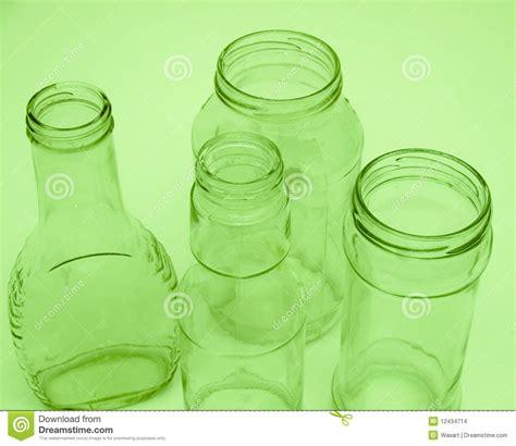 riciclare vasi di vetro quattro bottiglie di vetro e vasi per riciclare fotografia