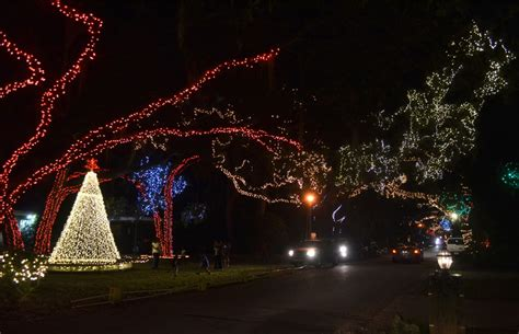 best christmas lights in florida 8 places in south florida to see holiday light displays