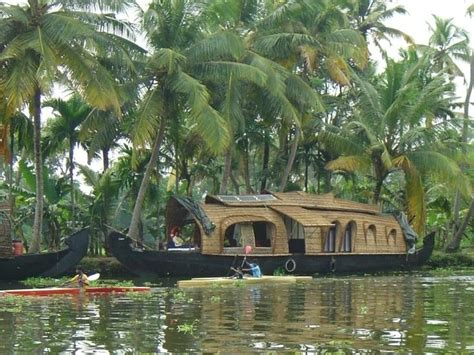 Kerala Boat House Alleppey by Best 10 Alleppey Boat House Ideas On