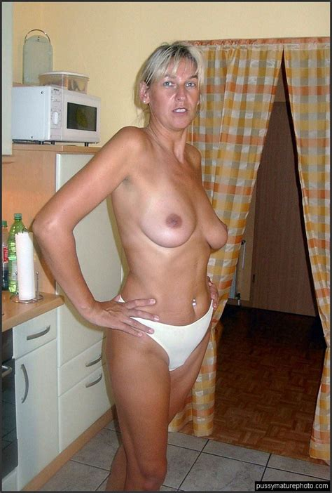 Homemade Photos With Busty Nude