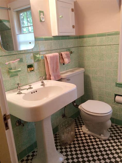 jane design  vintage style green  pink tile