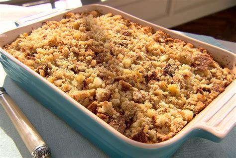 Calling all trisha yearwood fans: Trisha Yearwood's Thanksgiving Recipes | Dressing recipes ...