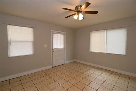 bedroom house  lease section   house  rent