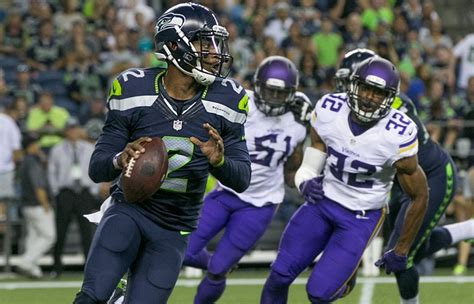 updated seahawks projected  man roster