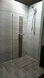 Geflieste Dusche Nachträglich Abdichten : die besten 25 bodengleiche dusche fliesen ideen auf pinterest badezimmerideen fotogalerie ~ Orissabook.com Haus und Dekorationen