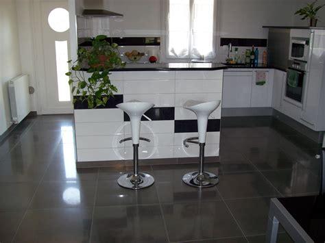 cuisine sol cuisine noir quel couleur mur