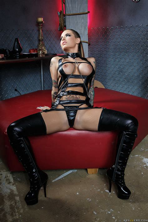 Latex Milf Christy Mack Showing Her Lovely Tattoos