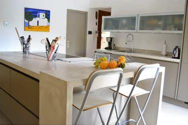 rénovation plan de travail cuisine béton ciré faire un plan de travail en béton ciré dans la cuisine