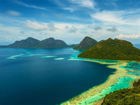 tun sakaran marine park dulang island malaysia landscape