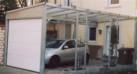 Sonstiges  Überdachung An Einer Einfahrt Mit Vorderem