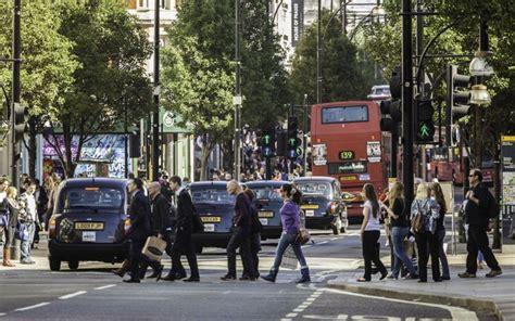 Lavorare Al Consolato Italiano A Londra by La Meglio Giovent 249 Emigra A Londra Attualit 224 D La
