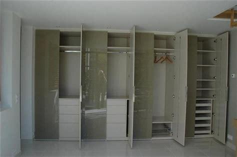 cuisine dans placard dressing chambre salle de bains agencement intérieur