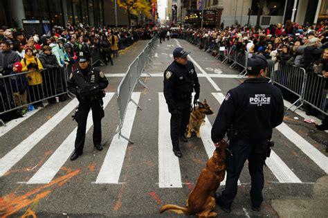 macys thanksgiving parade   york  smoothly