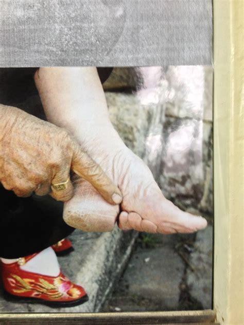 Lotus Feet China Wallpaperscraft