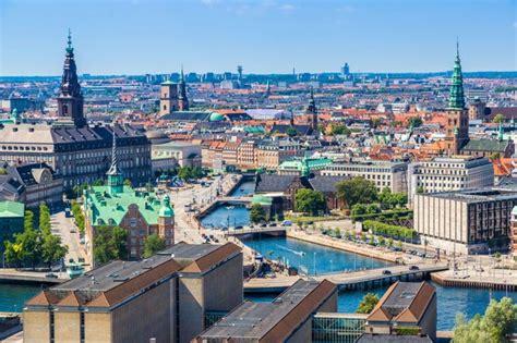 Es el más meridional de los países nórdicos y también el de menor extensión. Dinamarca, el país donde la gente no quiere que bajen los ...