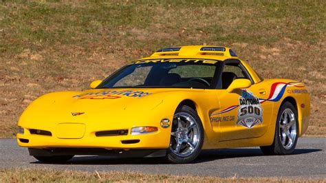 chevrolet corvette daytona pace car
