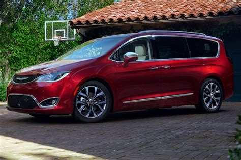 Chrysler Pacifica by 2017 Chrysler Pacifica Reviews And Rating Motor Trend