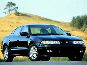 Oldsmobile Alero Sedan Specs  U0026 Photos