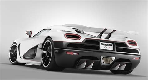 Koenigsegg Agera R Sets 6 New Production Car Speed Records