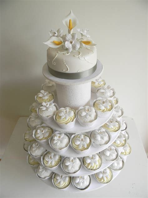 call  martha celia istvans wedding cake cupcakes