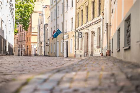 LU fotoarhīvs. Rīga, Vecrīga. Mazā pils iela.