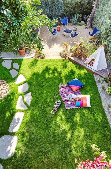 Patios Ideas Small Backyards by 1000 Ideas About Small Backyard Patio On