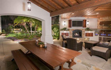 Backyard Oasis With Indoor