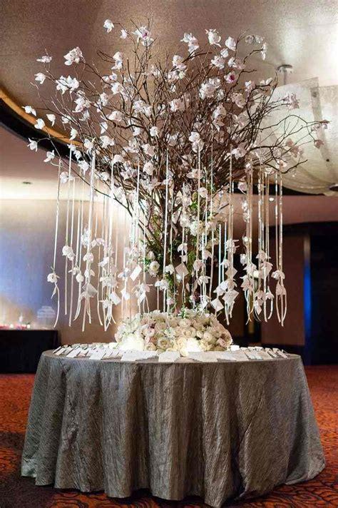 bureau de mariage 105 idées décoration mariage fleurs sucreries et bougies
