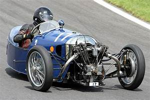 Voiture Morgan 3 Roues : sue darbyshire morgan three wheeler one of the bravest lady racers ever broke her leg but ~ Medecine-chirurgie-esthetiques.com Avis de Voitures