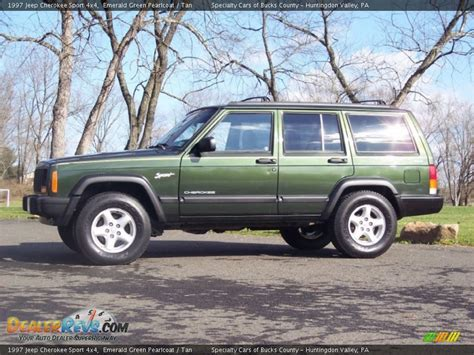 jeep cherokee sport green emerald green pearlcoat 1997 jeep cherokee sport 4x4 photo