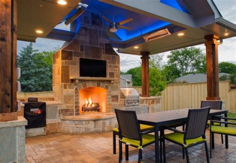 creating  outdoor living area outdoor space tips