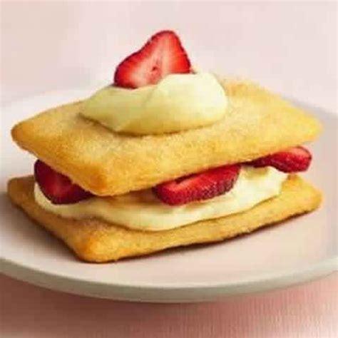 Crescent Strawberry Napoleons - 1K Recipes!