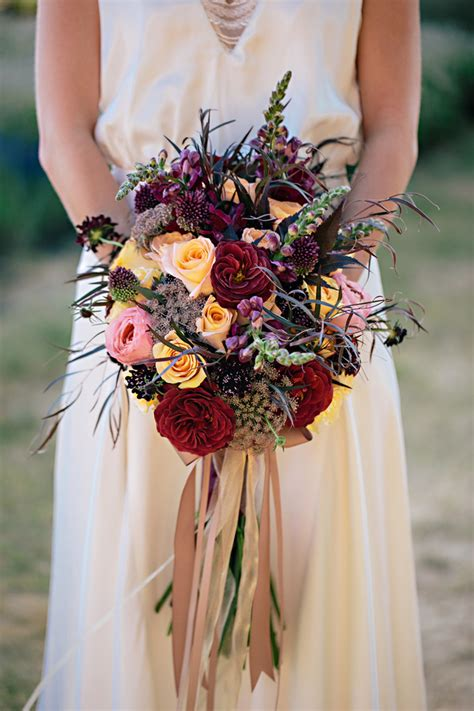 32 of the most stunning fall bridal bouquets you ve laid mon cheri bridals
