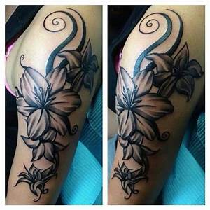 Awesome black and white flower tattoo | tattoo's ...
