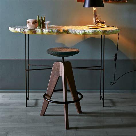seduta sgabello tom sgabello colico in legno girevole e regolabile