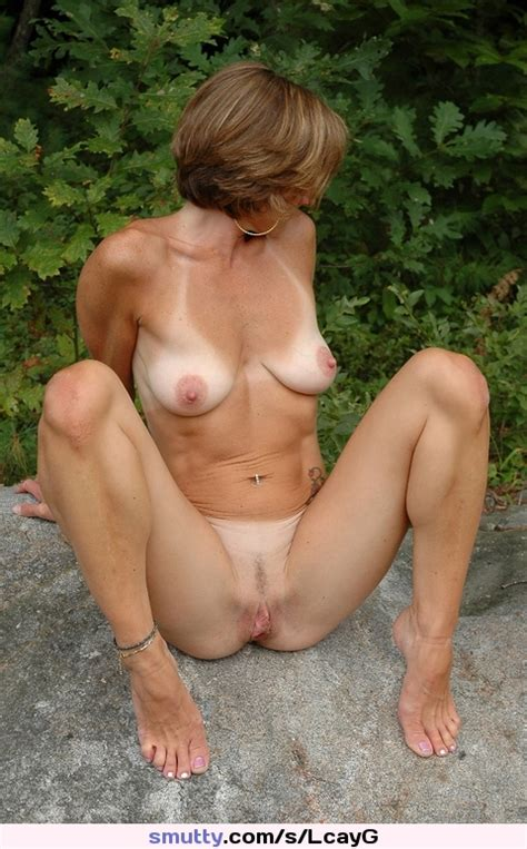 Mature Milf Mom Mommy Cougar Tanlines Outdoors