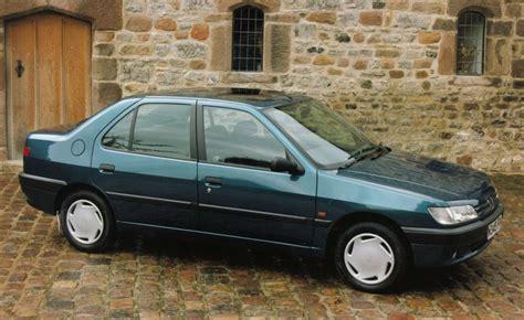 peugeot saloon peugeot 306 saloon review 1994 1999 parkers