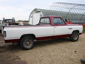 1990 Dodge Ram 150 - Information And Photos