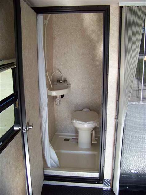 25 Awesome Camper Trailer With Toilet Fakrubcom