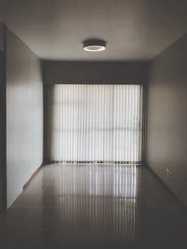 interesting empty room  pexels  stock