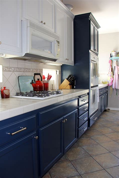 navy blue cabinet paint navy and white kitchen cabinet painting life rearranged