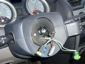 Changement Contacteur Tournant Megane 2 : klaxon airbag renault megane essence auto evasion forum auto ~ Gottalentnigeria.com Avis de Voitures