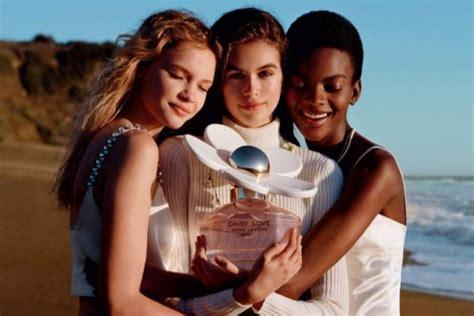 Kaia Gerber Hits the Beach for Marc Jacobs 'Daisy Love ...