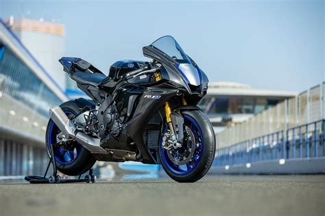 Review Yamaha R1m by Yamaha R1m 2020 On Review