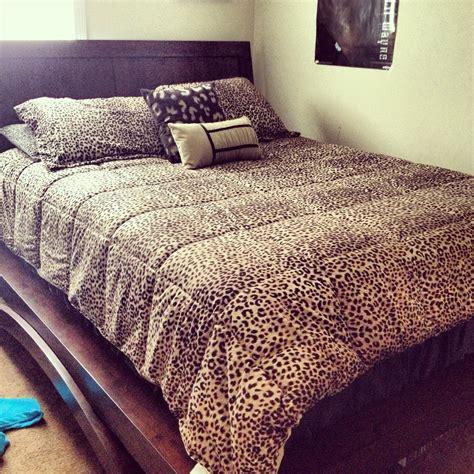 Cheetah Print Bedroom Accessories by Cheetah Print Comforter Bedroom This Is Legit