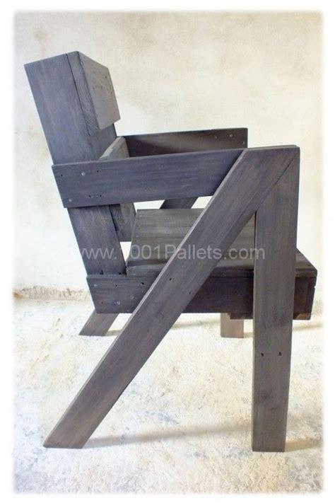 chaise en palette chaise en bois de palette pallet chair pallet ideas