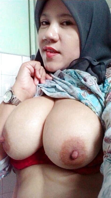 Favourite Malay Tudung Milf 57 7 Pics Xhamster
