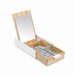 Boite À Bijoux Design : bo te bijoux en bois grav e ~ Melissatoandfro.com Idées de Décoration